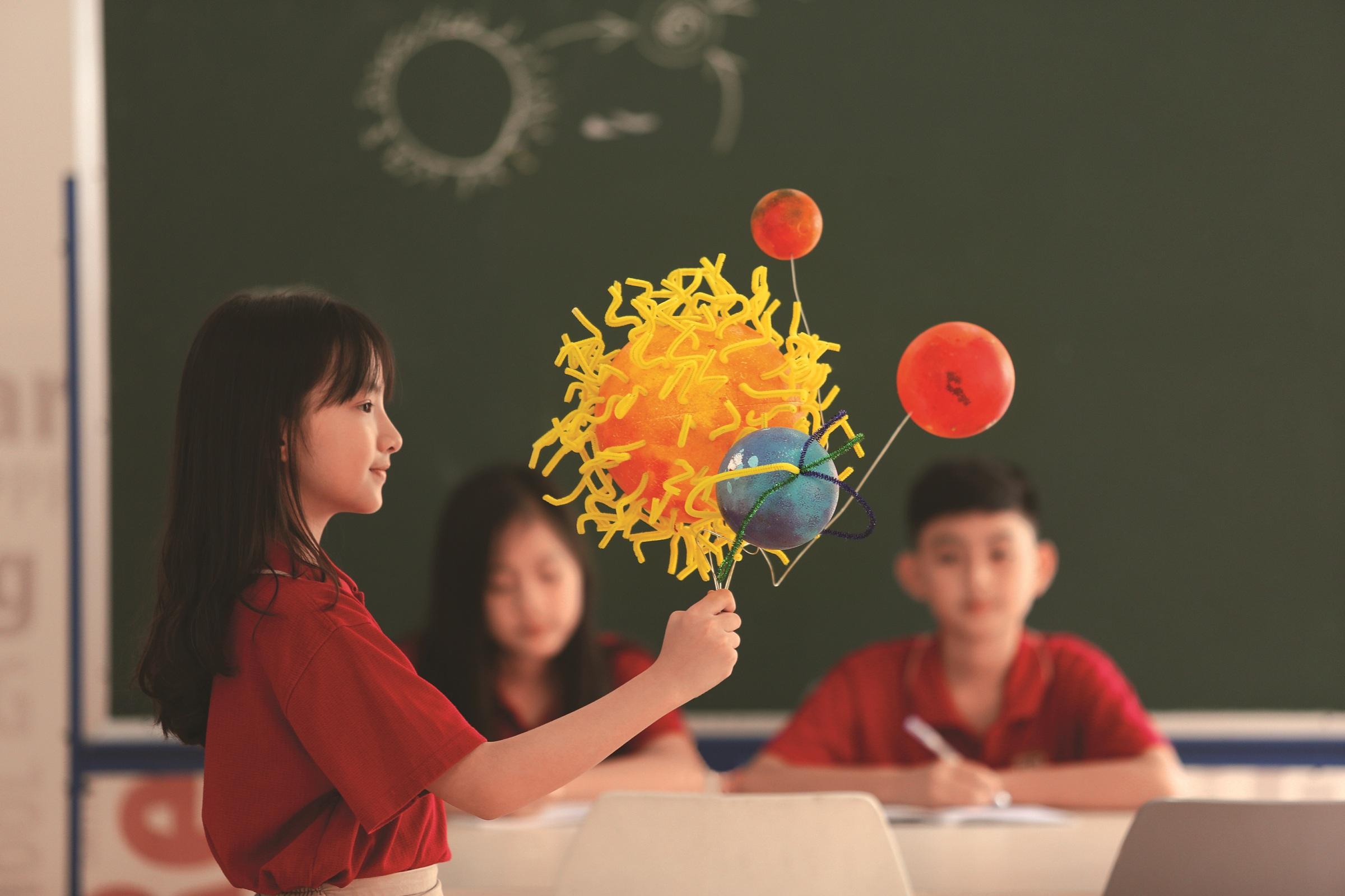 Các khóa học xây dựng theo dự án khoa học, ôn tập kiến thức và kỹ năng để sẵn sàng cho năm học mới.