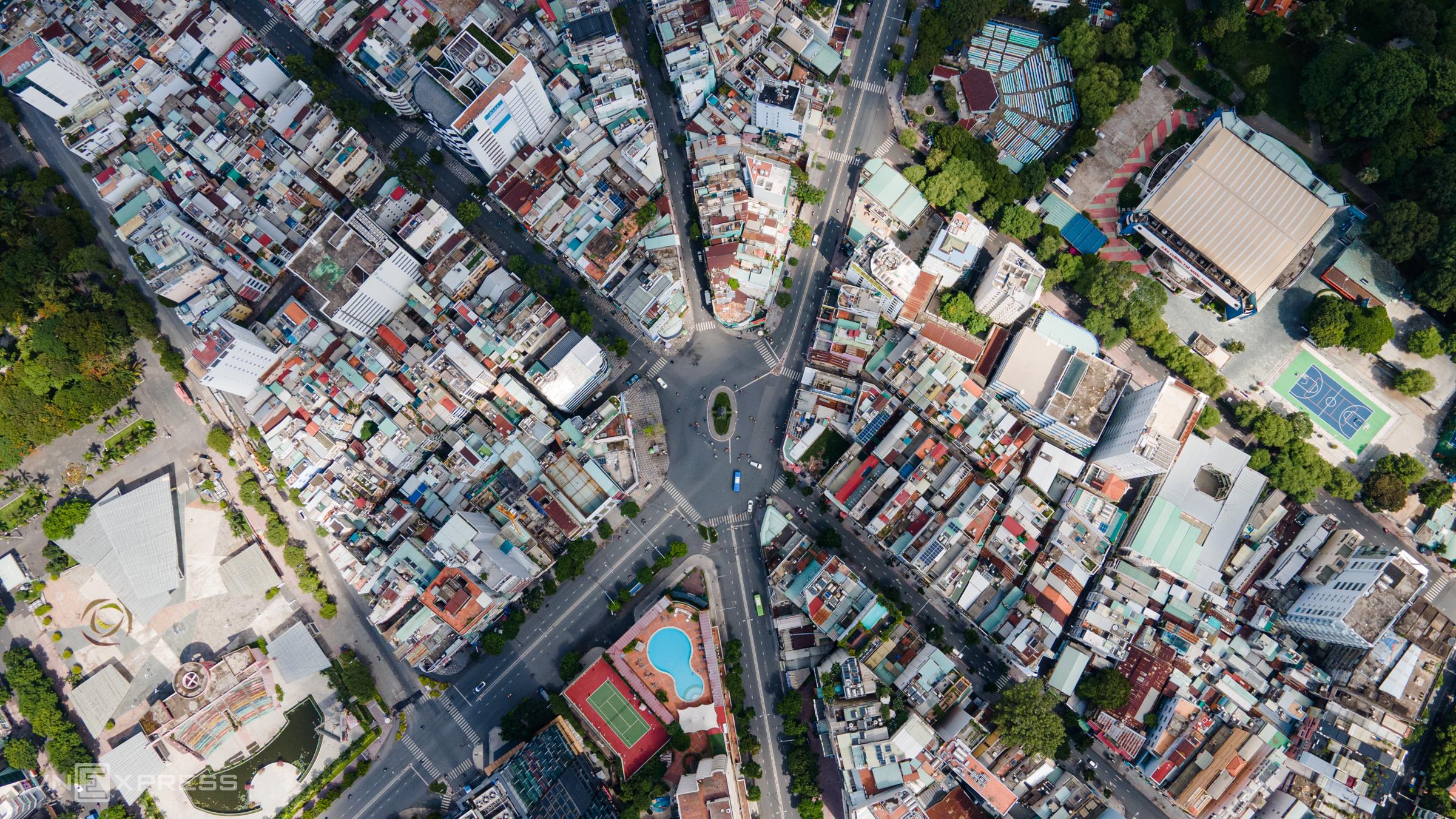Ngã sáu Phù Đổng, quận 1, TP HCM, ngày 31/5. Ảnh: Thành Nguyễn