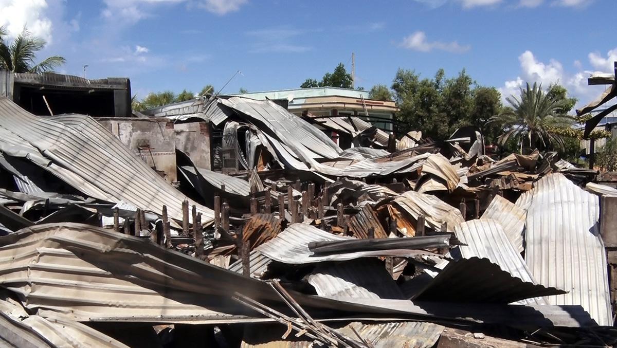 Hiện trường vụ cháy do Tùng gây ra. Ảnh: Lan Vy