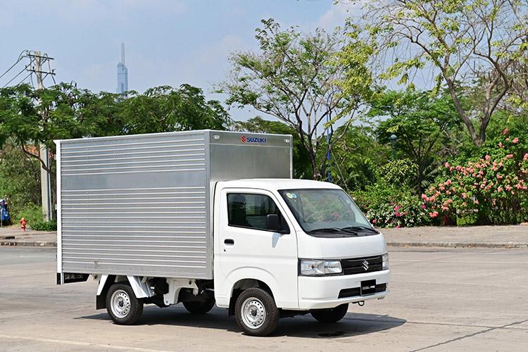 Xe tải nhẹ Suzuki Carry Pro thùng kín, ngoài ra, người dùng có thể tuỳ biến thùng theo nhu cầu cá nhân.