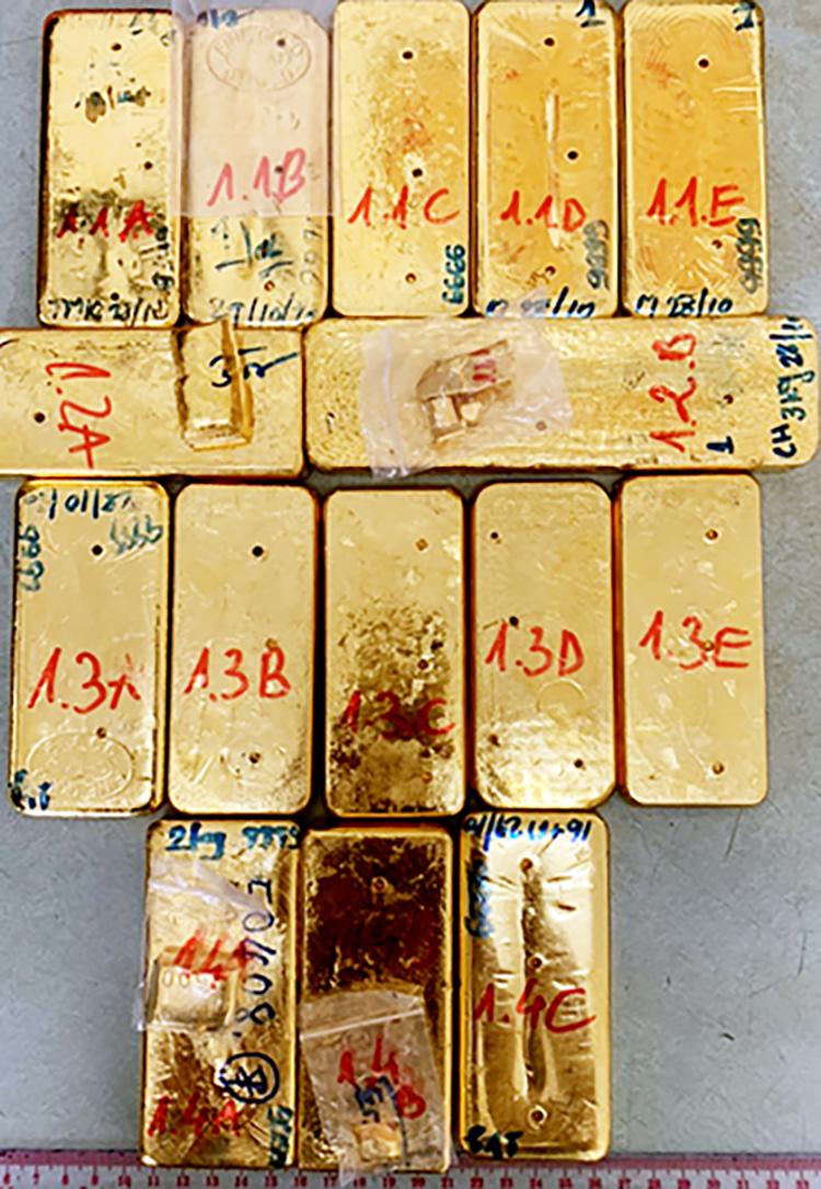 Số vàng tang vật đang được cơ quan điều tra tạm giữ. Ảnh: An Phú