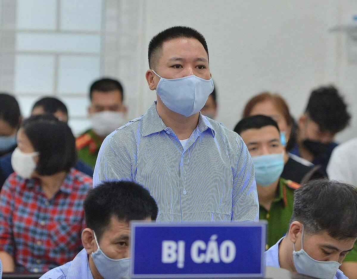 Defendant Tran Sy Cuong in the trial on May 11 testified that he was only an agency driver and did not have the authority to decide on penalties.  Photo: Hai Thu