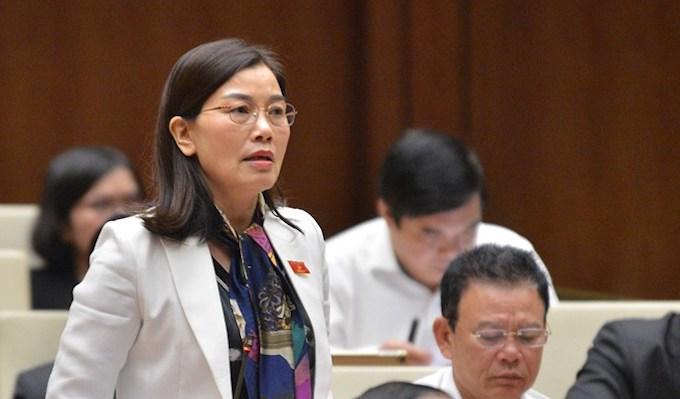Đại biểu Nguyễn Thị Xuân phát biểu tại nghị trường. Ảnh: Trung tâm báo chí Quốc hội
