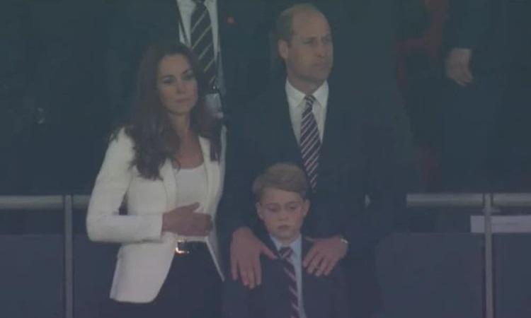 Gia đình Hoàng tử William buồn bã khi đội tuyển Anh thua trận chung kết Euro 2020 hôm 11/7. Ảnh: BBC.