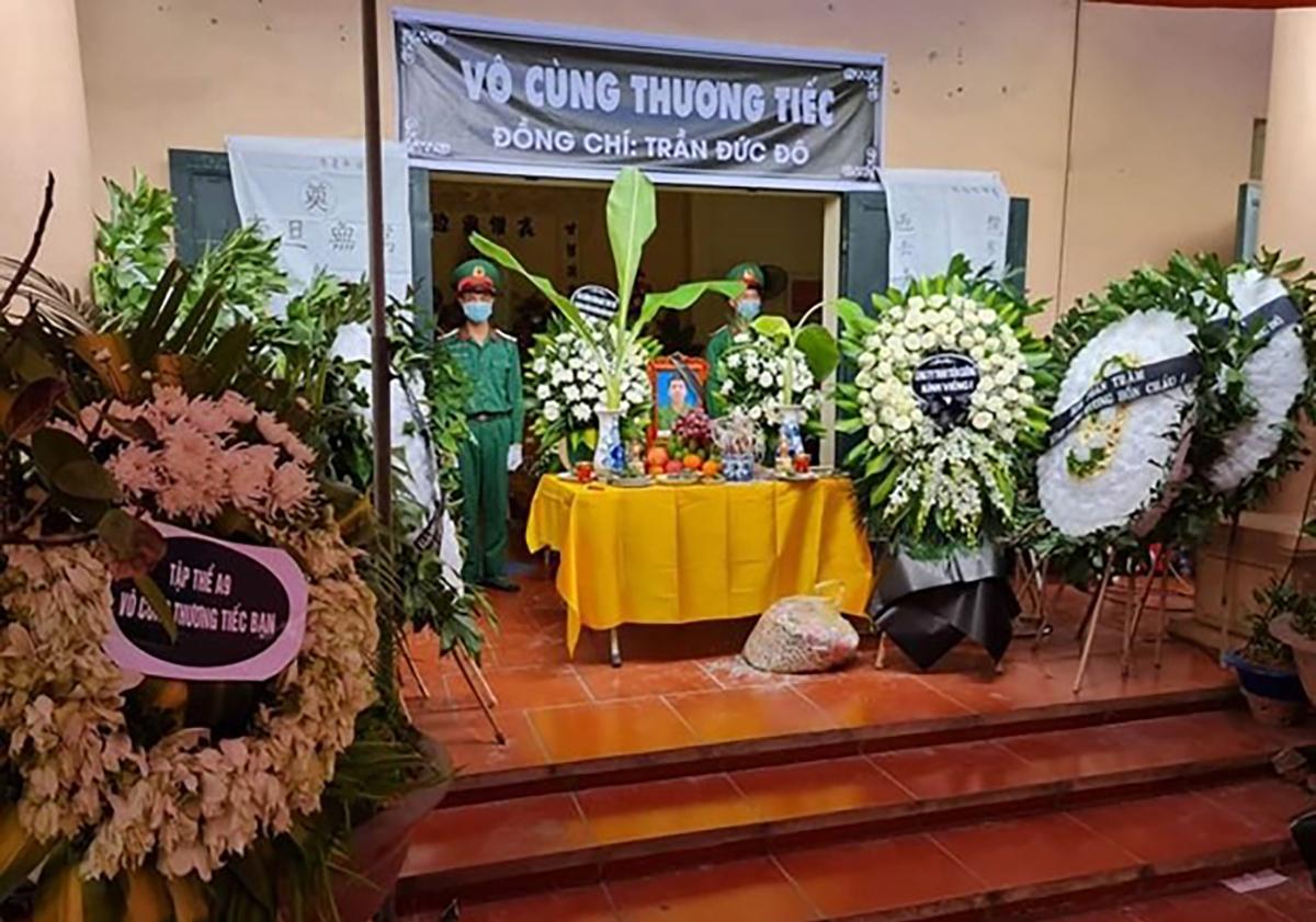 Lễ tang quân nhân Trần Đức Đô. Ảnh: TTXVN.
