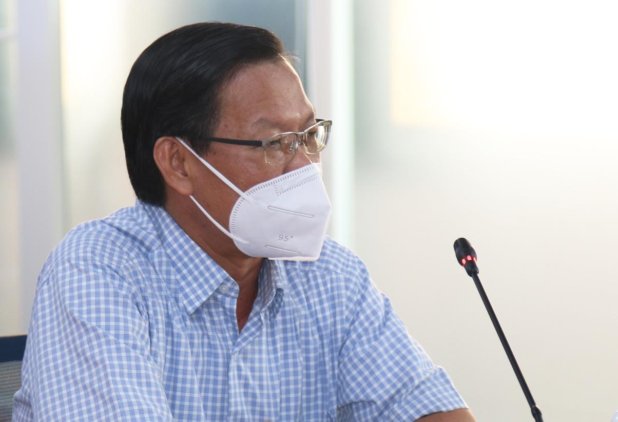 Phó bí thư thường trực Thành uỷ Phan Văn Mãi tại cuộc họp báo chiều 13/7. Ảnh: Trung tâm báo chí TP HCM
