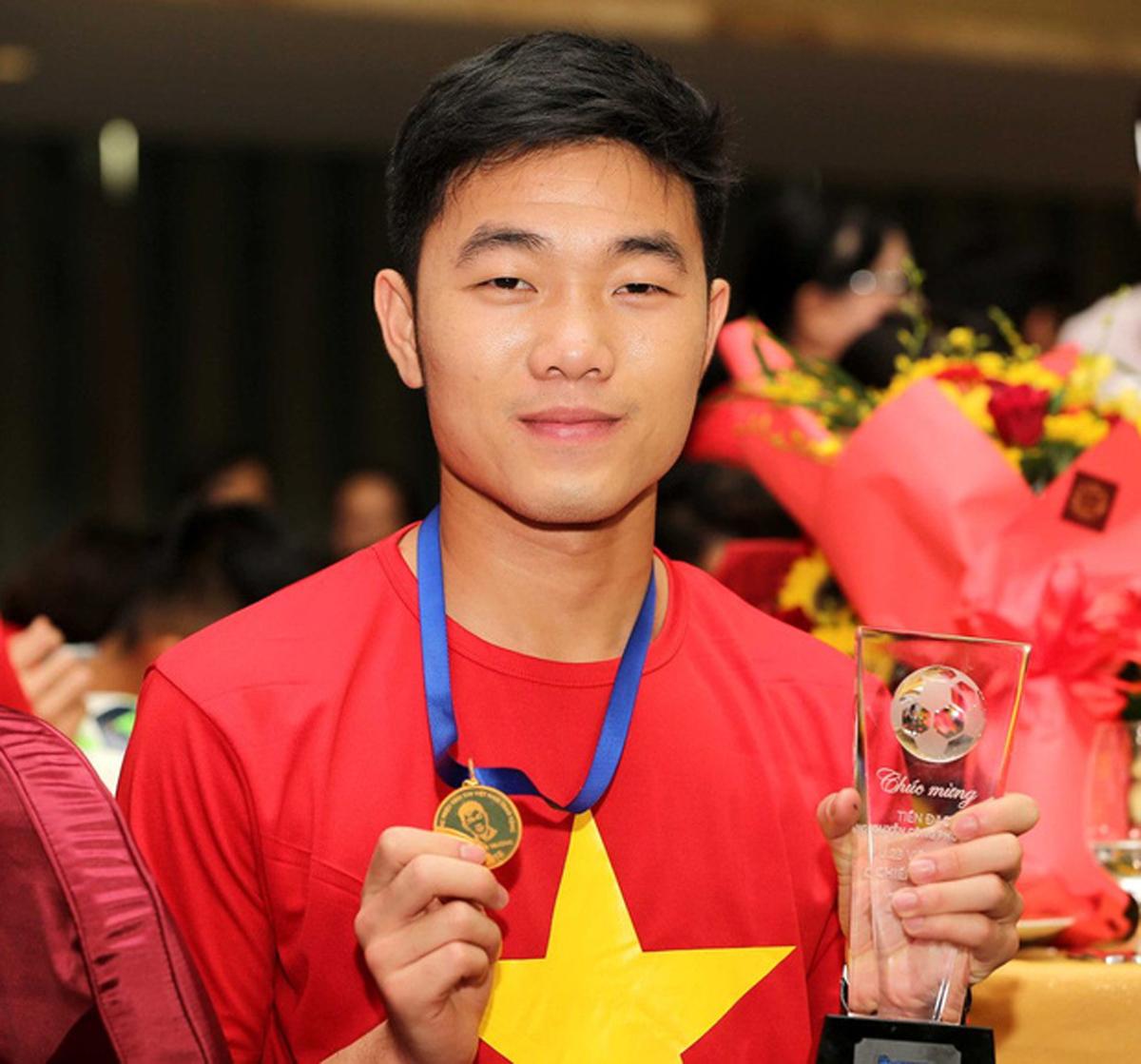 Đôi mắt mang thương hiệu của Lương Xuân Trường.