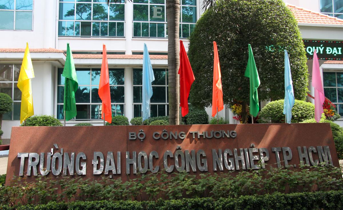 Cơ sở chính Đại học Công nghiệp TP HCM ở quận Gò Vấp. Ảnh: Mạnh Tùng.