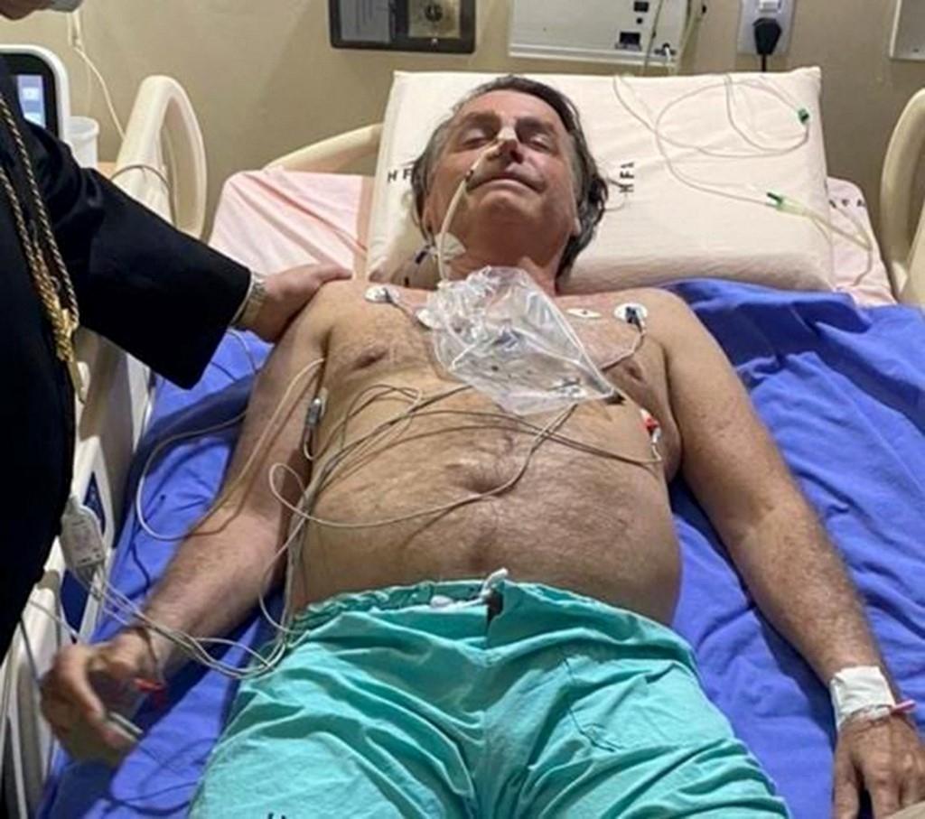 Tổng thống Brazil Bolsonaro nhập viện ở Brasilia kiểm tra sức khỏe hôm 14/7. Ảnh: Twitter/Jair Bolsonaro.