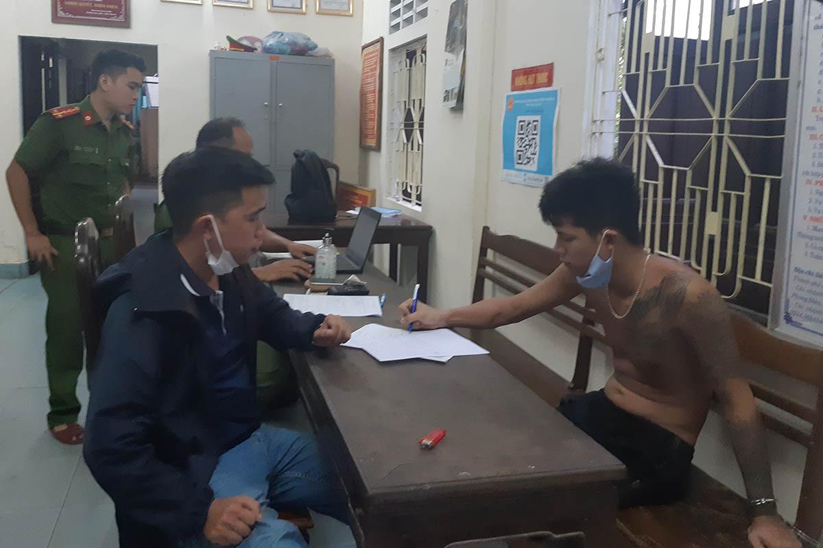Lê Ngọc Phú Thịnh tại cơ quan điều tra. Ảnh: Công Quang