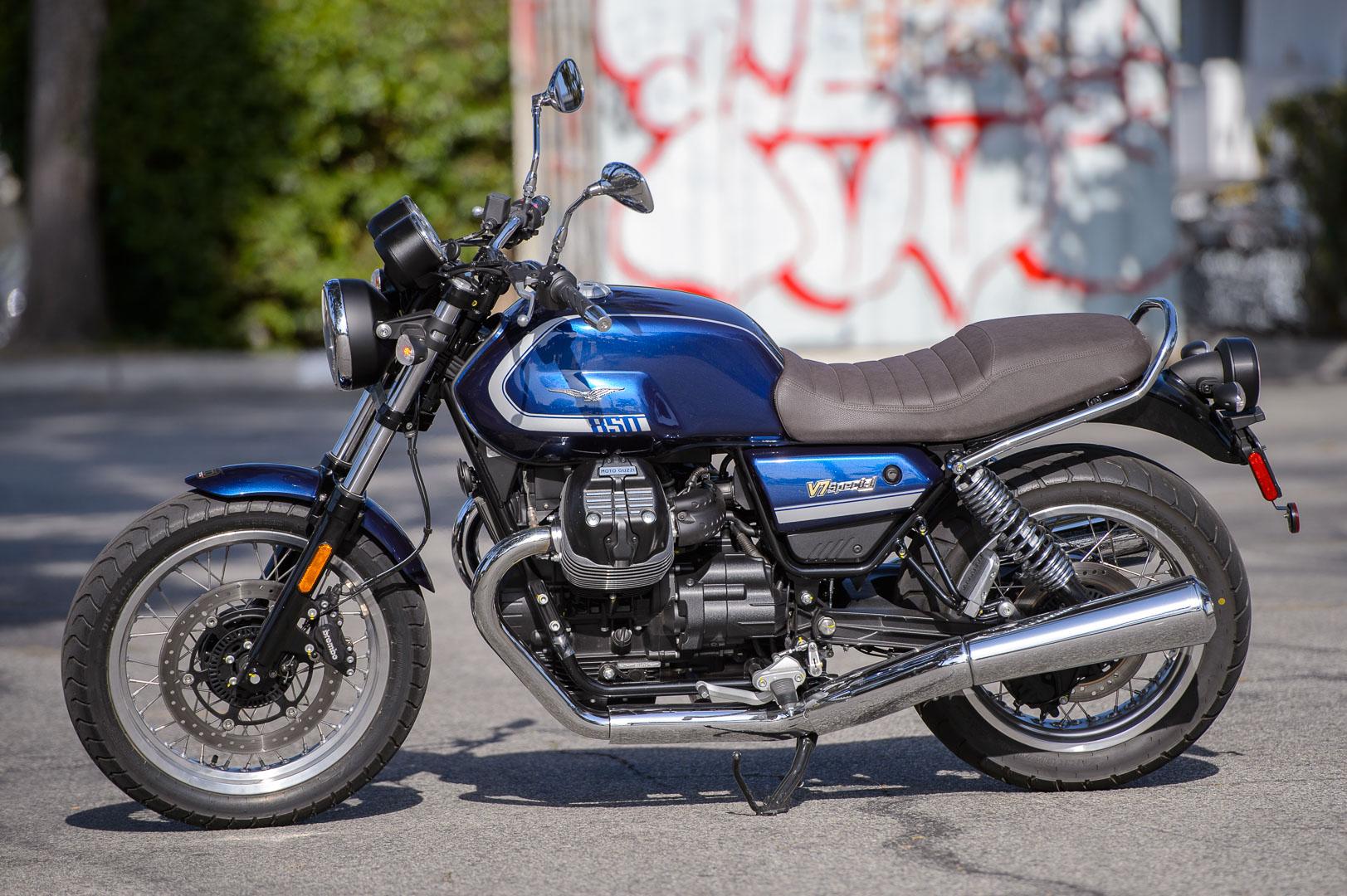 Mẫu môtô phong cách cổ điển V7 của Moto Guzzi. Ảnh: Ultimate Motorcycling