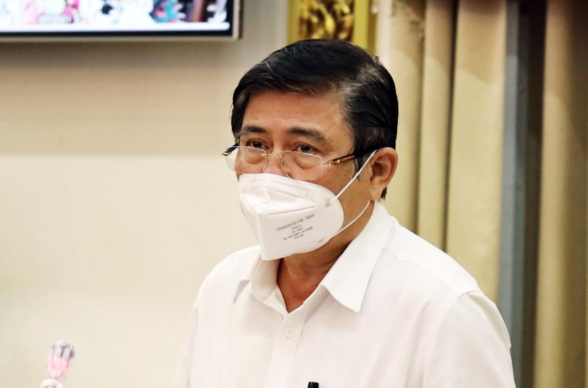Chủ tịch UBND TP HCM Nguyễn Thành Phong phát biểu tại buổi họp. Ảnh: Trung tâm báo chí TP HCM.