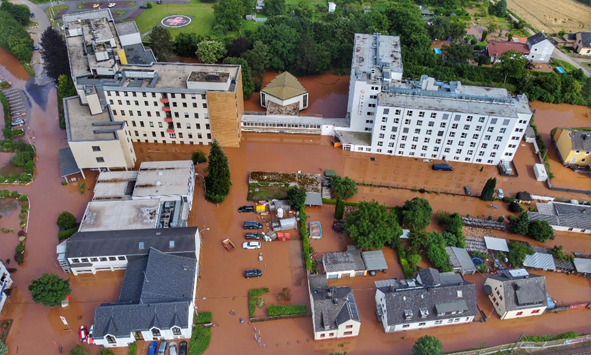Nguyên nhân Đức hứng lũ lụt lịch sử