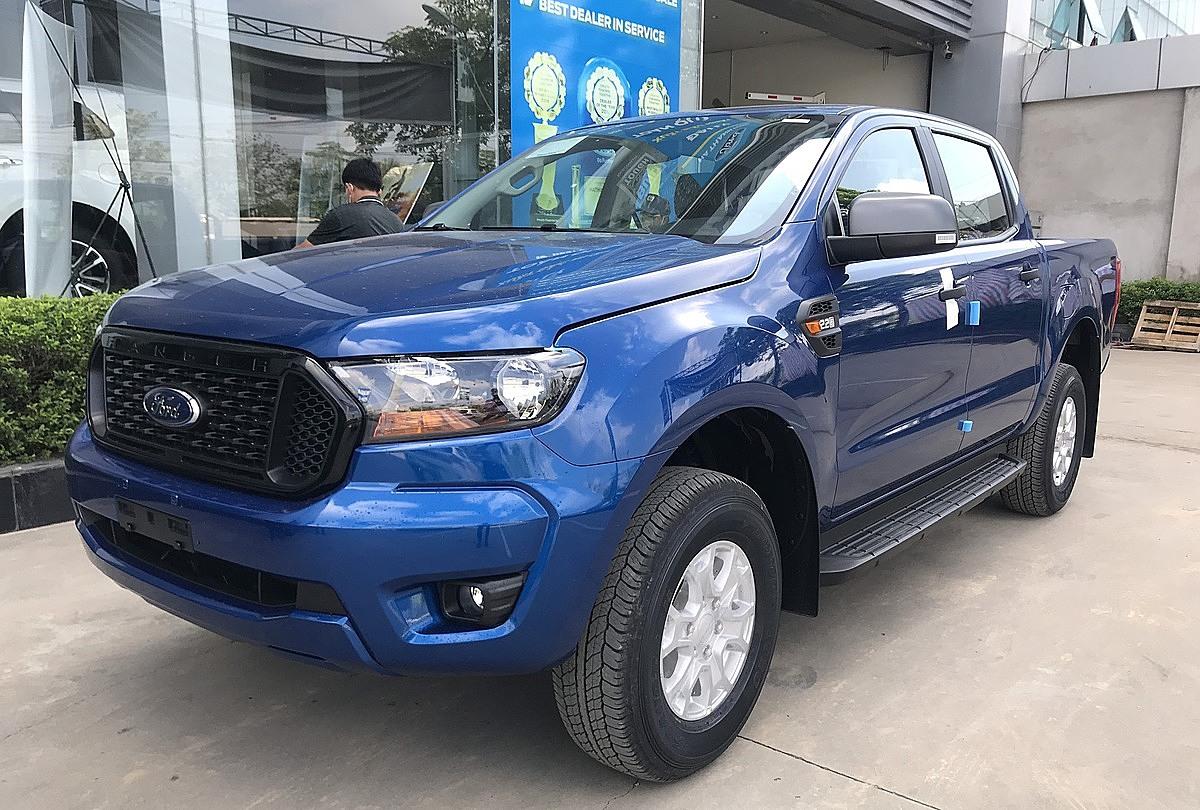 Ford Ranger lắp ráp về đại lý tại Hà Nội. Đoàn Dũng