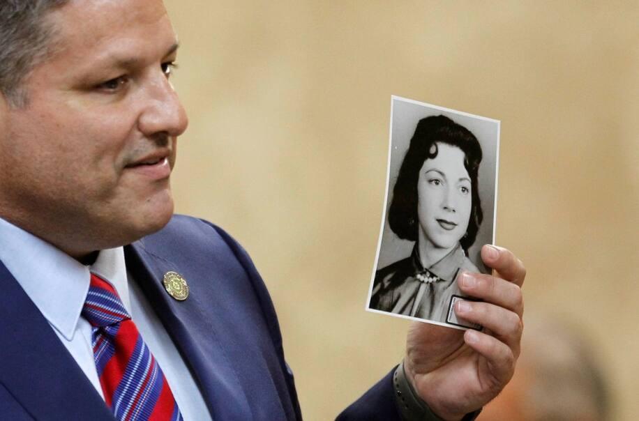 Irene Garza trong bức ảnh đen trắng. Ảnh: Reuters