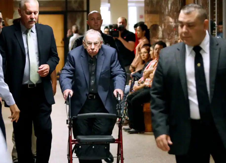 John Feit tại phiên toà sau gần 50 năm gây án. Ảnh: AP