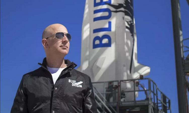 Tỷ phú Jeff Bezos. Ảnh: Blue Origin.