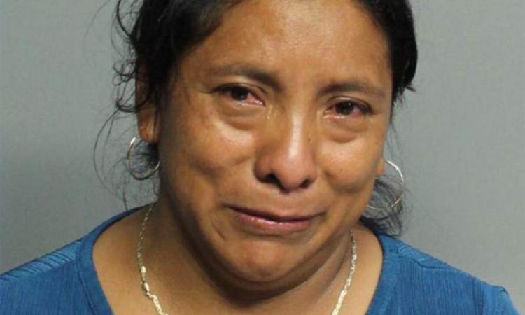 Juana Perez-Domingo tại đồn cảnh sát hạt Miami-Dade, Florida, Mỹ, hôm 17/7. Ảnh: Cảnh sát Miami-Dade.