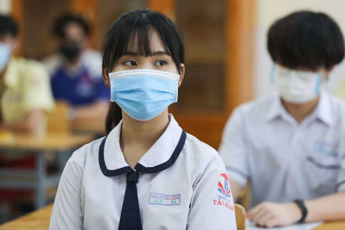 Thí sinh TP HCM dự thi tốt nghiệp THPT ngày 8/7. Ảnh: Quỳnh Trần.