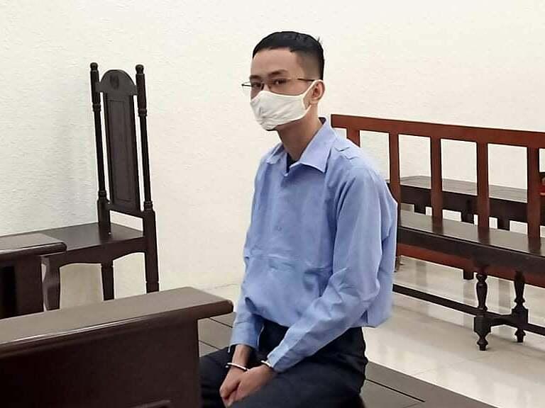 Bị cáo Trần Hoàng Minh tại phiên xét xử sáng 20/7. Ảnh: Trịnh Lam