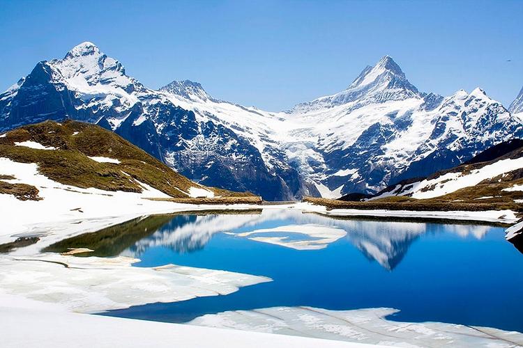 Biến đổi khí hậu đang làm tăng tốc quá trình hình thành hồ mới trên dãy Alps. Ảnh: Cultura RF.