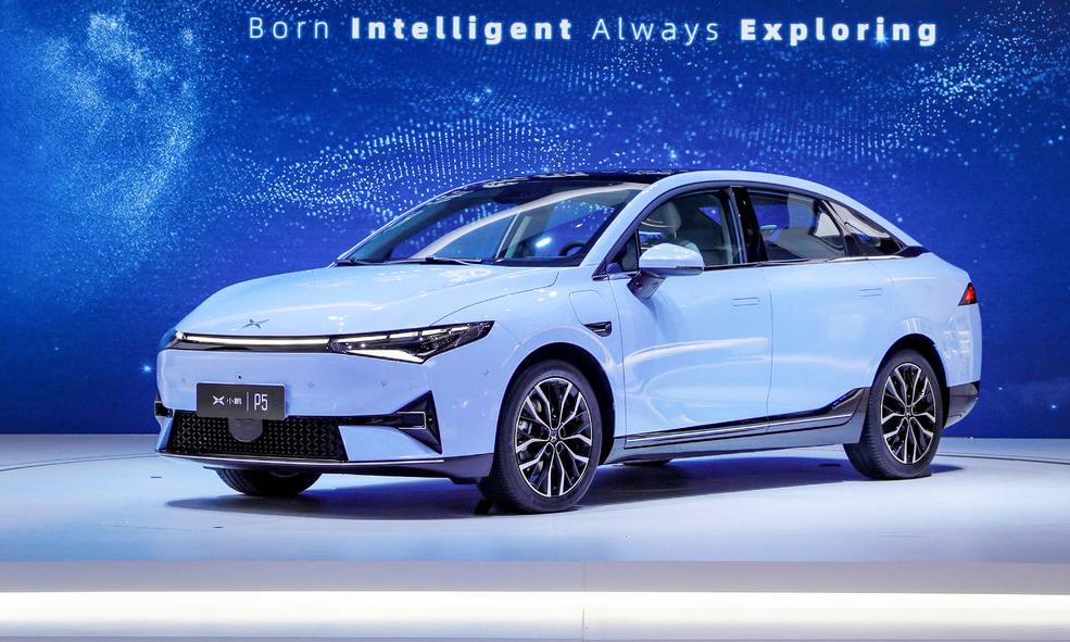 Sedan chạy điện P5 ra mắt ở triển lãm ôtô Thượng Hải hồi tháng 4. Ảnh: Carscopps