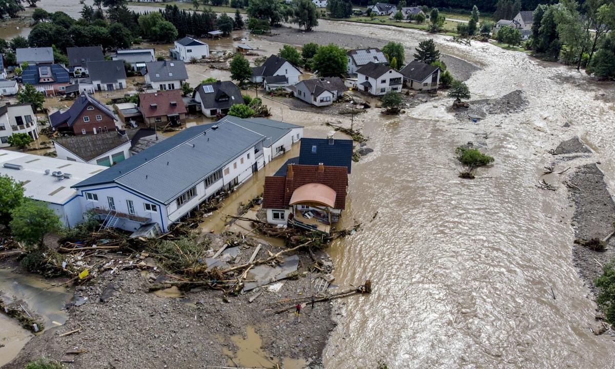 Lũ lụt ở Insul, Đức hôm 15/7. Ảnh: AP.