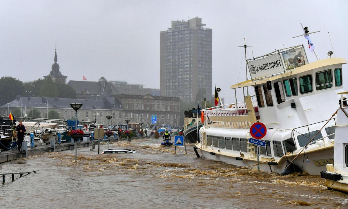 Lũ lụt ở Liege, Bỉ hôm 15/7. Ảnh: AFP.