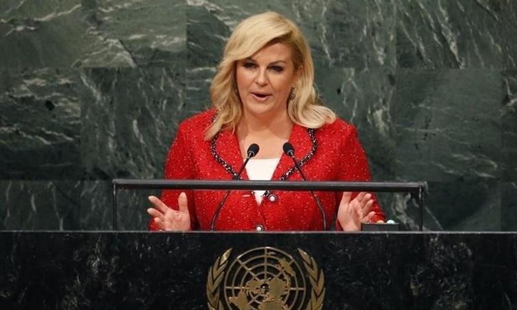 Cựu tổng thống Croatia Kolinda Grabar-Kitarovic phát biểu tại Liên Hợp Quốc năm 2015. Ảnh: Reuters.