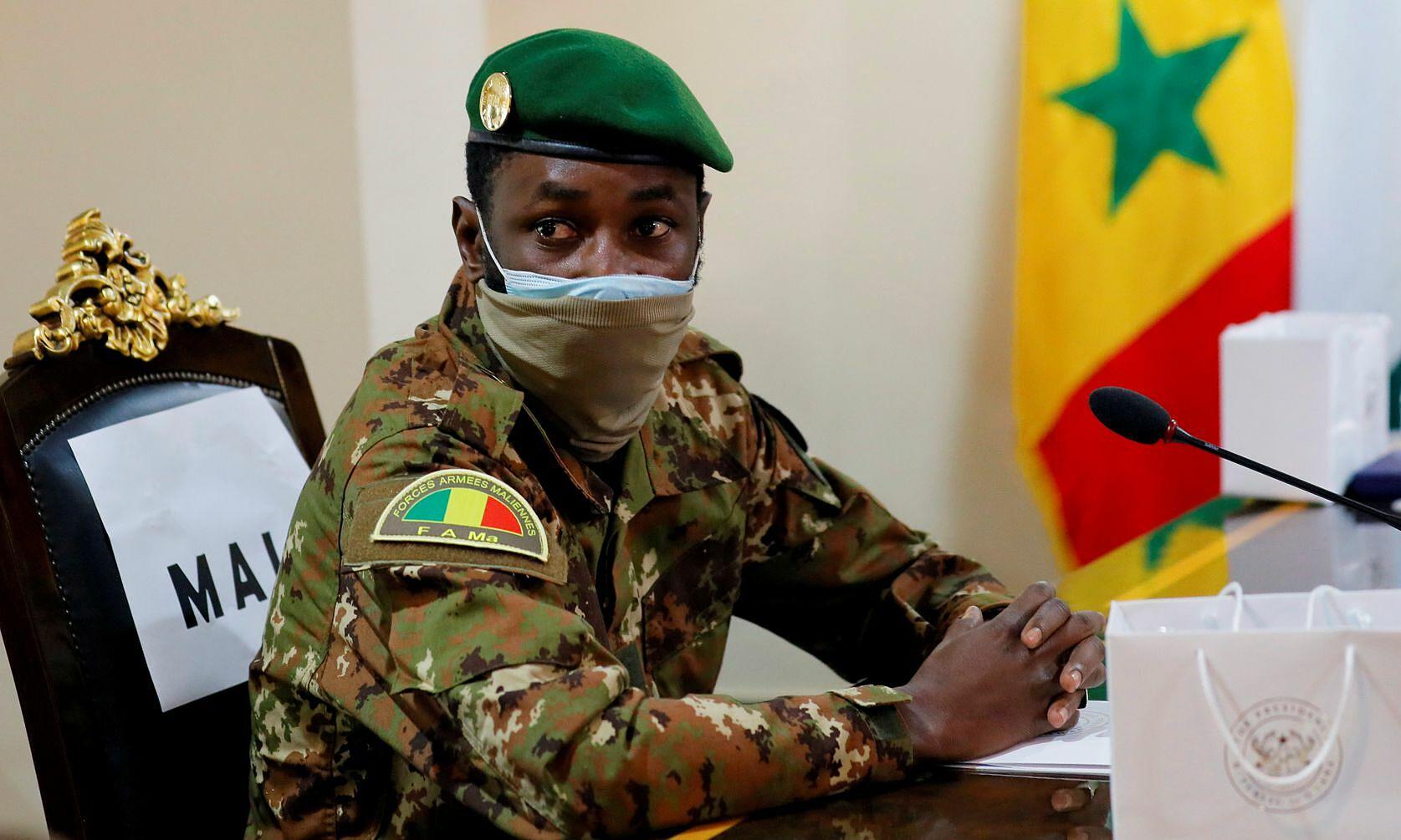 Tổng thống lâm thời Mali Assimi Goita dự cuộc hợp tham vấn ECOWAS vào tháng 9/2020. Ảnh: Reuters.