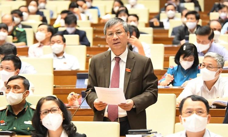 Đại biểu Nguyễn Anh Trí, nguyên Viện trưởng Huyết học Truyền máu trung ương. Ảnh: Trung tâm báo chí Quốc hội