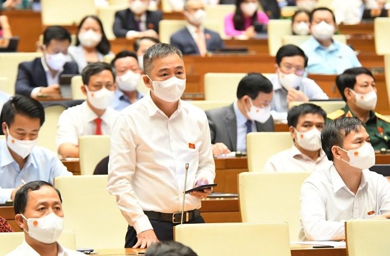 Đại biểu Nguyến Lân Hiếu, Giám đốc bệnh viện Đại học Y Hà Nội. Ảnh: Trung tâm báo chí Quốc hội