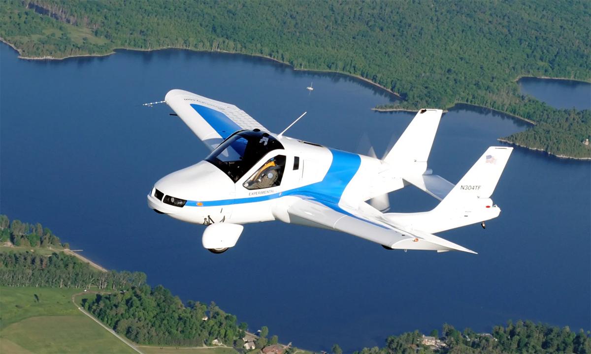 Mẫu ôtô bay của hãng Terrafugia. Ảnh: Terrafugia