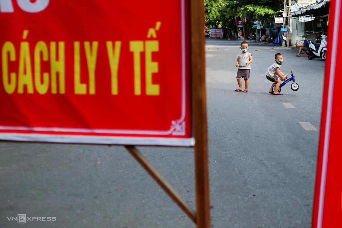 Bên trong một khu vực cách ly y tế ở quận Thanh Khê, chiều 16/7. Ảnh: Nguyễn Đông.