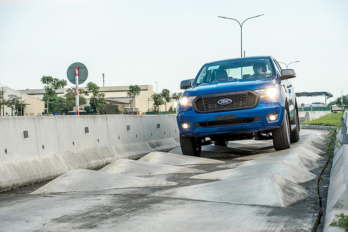 Ranger cân bằng hoàn hảo nhiều yếu tố và tổng hòa trên một mẫu xe bán tải.