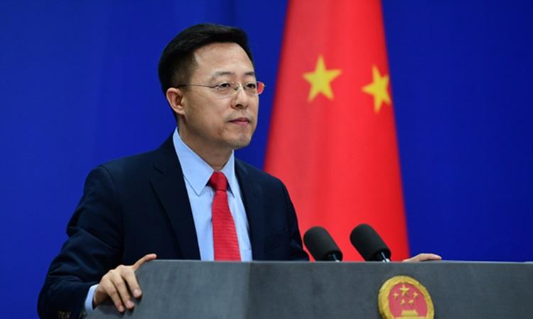 Phát ngôn viên Bộ Ngoại giao Trung Quốc Triệu Lập Kiên tại cuộc họp báo ở Bắc Kinh hôm nay. Ảnh: Global Times.