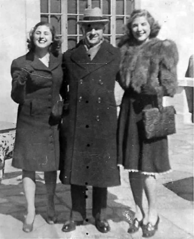 Georgette (trái) cùng bố và chị gái. Ảnh: Bauerdorf.com