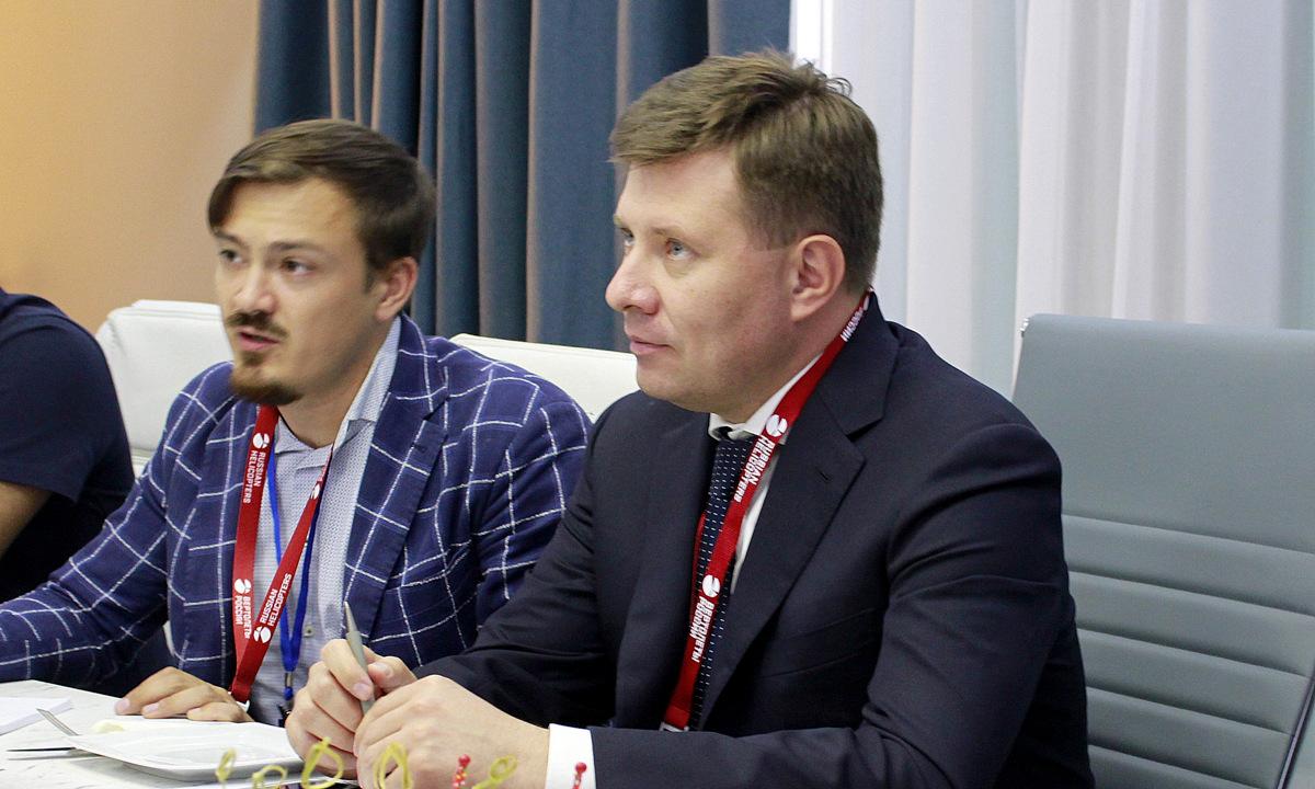 Tổng giám đốc Boginsky trong cuộc họp báo hôm 21/7. Ảnh: Xuân Hoàn.