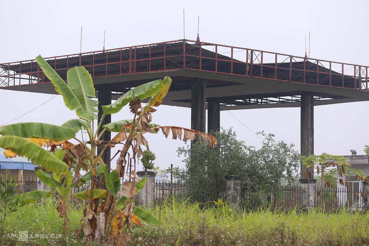 Dự án Ethanol Phú Thọ bỏ hoang. Ảnh: Phạm Dự.