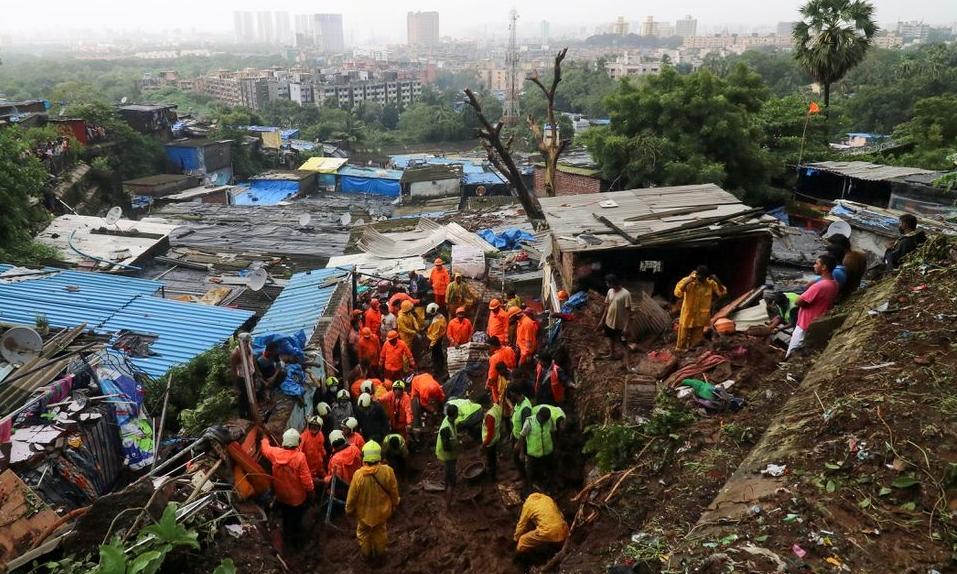 Mưa lũ tàn phá Ấn Độ