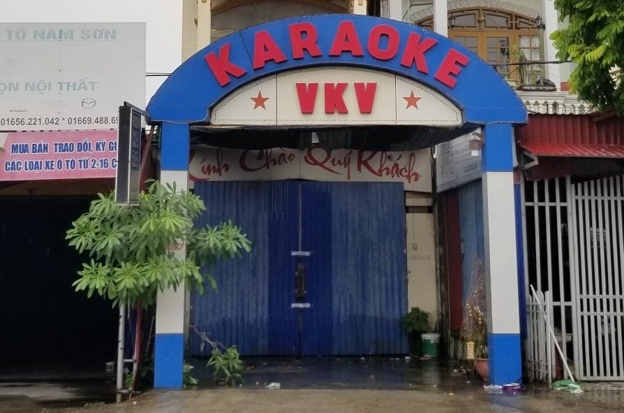 Quán karaoke VKV của chủ quán Tuấn đã hai lần bị phạt vì vi phạm quy định phòng chống Covid-19.
