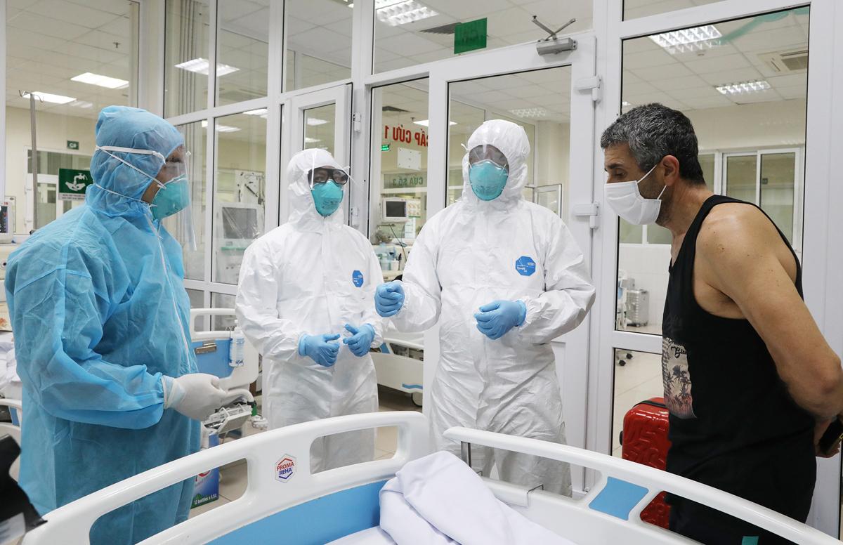 Bệnh nhân Covid 19 được điều trị tại Bệnh viện nhiệt đới trung ương cơ sở 2 (Đông Anh, Hà Nội) tháng 3/2020. Ảnh: Ngọc Thành.