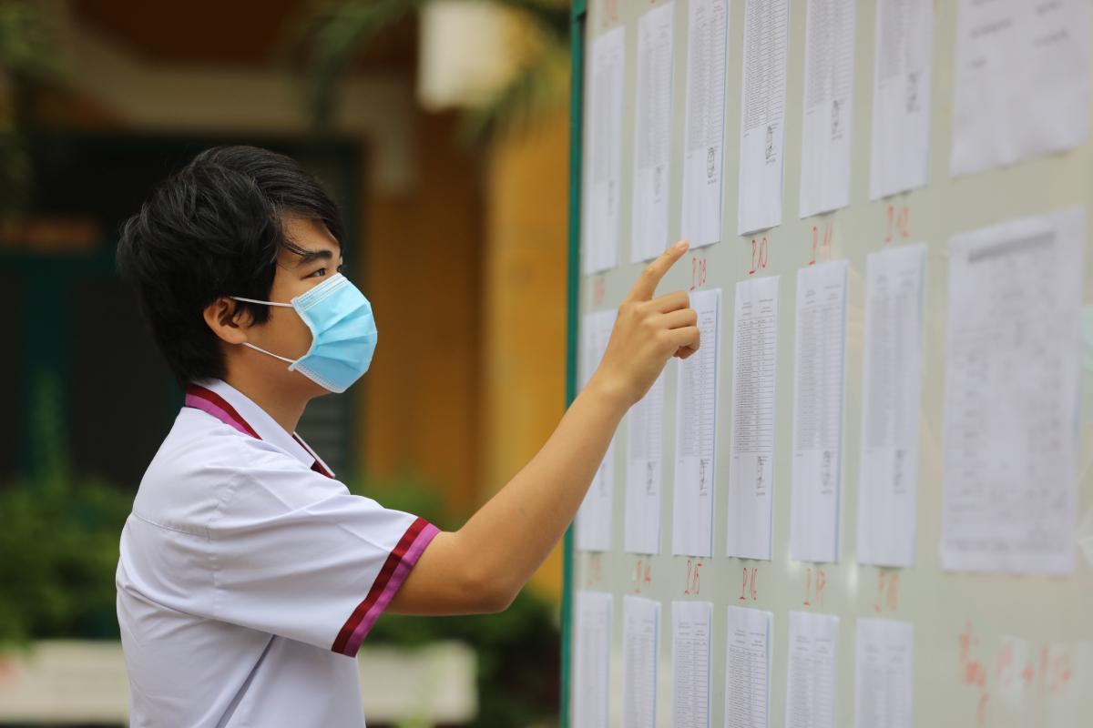 Thí sinh TP HCM dự thi tốt nghiệp THPT ngày 7/7. Ảnh: Quỳnh Trần.