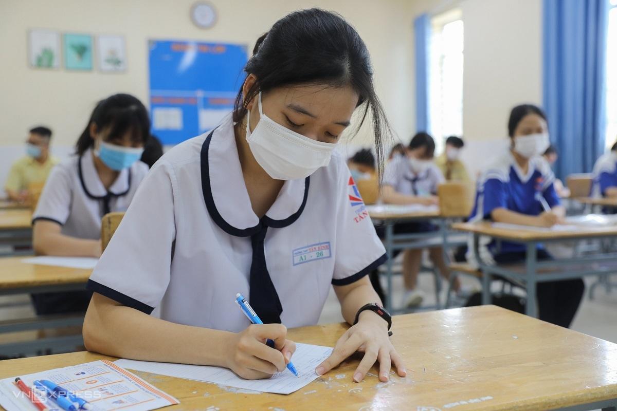 Thí sinh dự thi tốt nghiệp THPT 2021 đợt 1. Ảnh: Trần Quỳnh