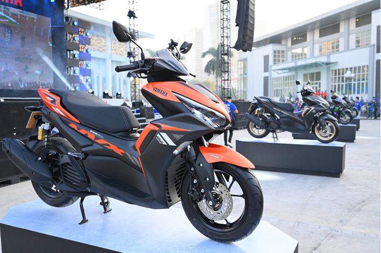 Các mẫu xe NVX tại một sự kiện của Yamaha.