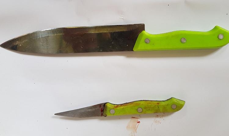 Hai dao nhọn Có dùng de doạ nhiều người, chống trả cảnh sát. Ảnh: An Phú