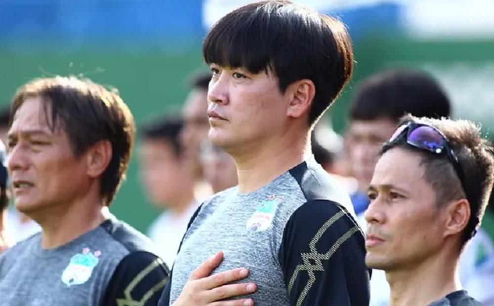 Ông Kim Tae-min làm trợ lý ở HAGL từ năm 2020. Ảnh: Như Đạt