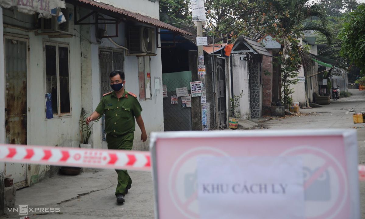 [Một điểm bị phong ở phường Thạnh Lộc, quận 12. Ảnh: Đình Văn.