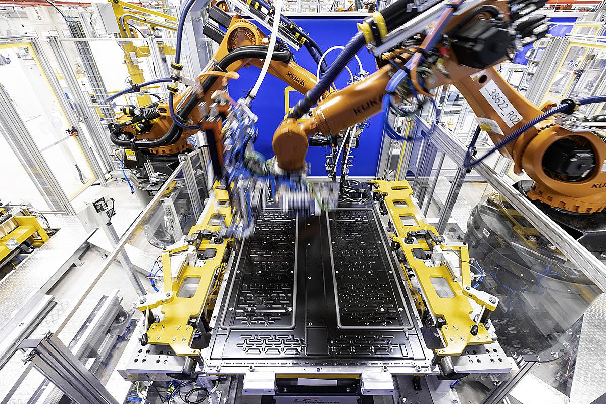 Dây truyền sản xuất pin của Mercedes tại Hedelfingen, Đức