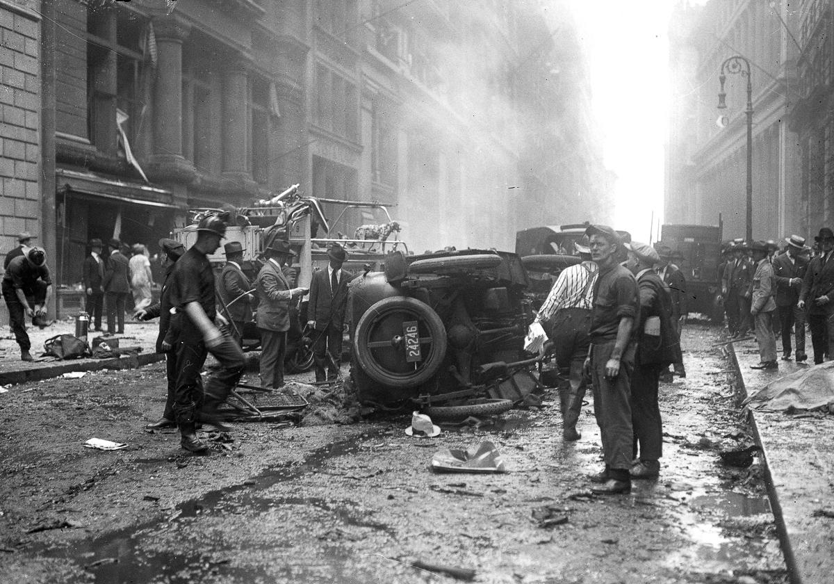 Hiện trường vụ đánh bom phố Wall  năm 1920. Ảnh: Library of Congress